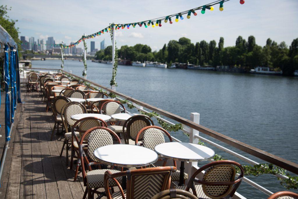 Restaurant en bord de fleuve à Paris : Aqua Restaurant